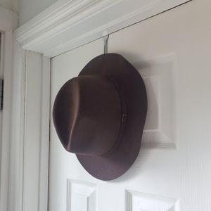 Delux Felt Hat